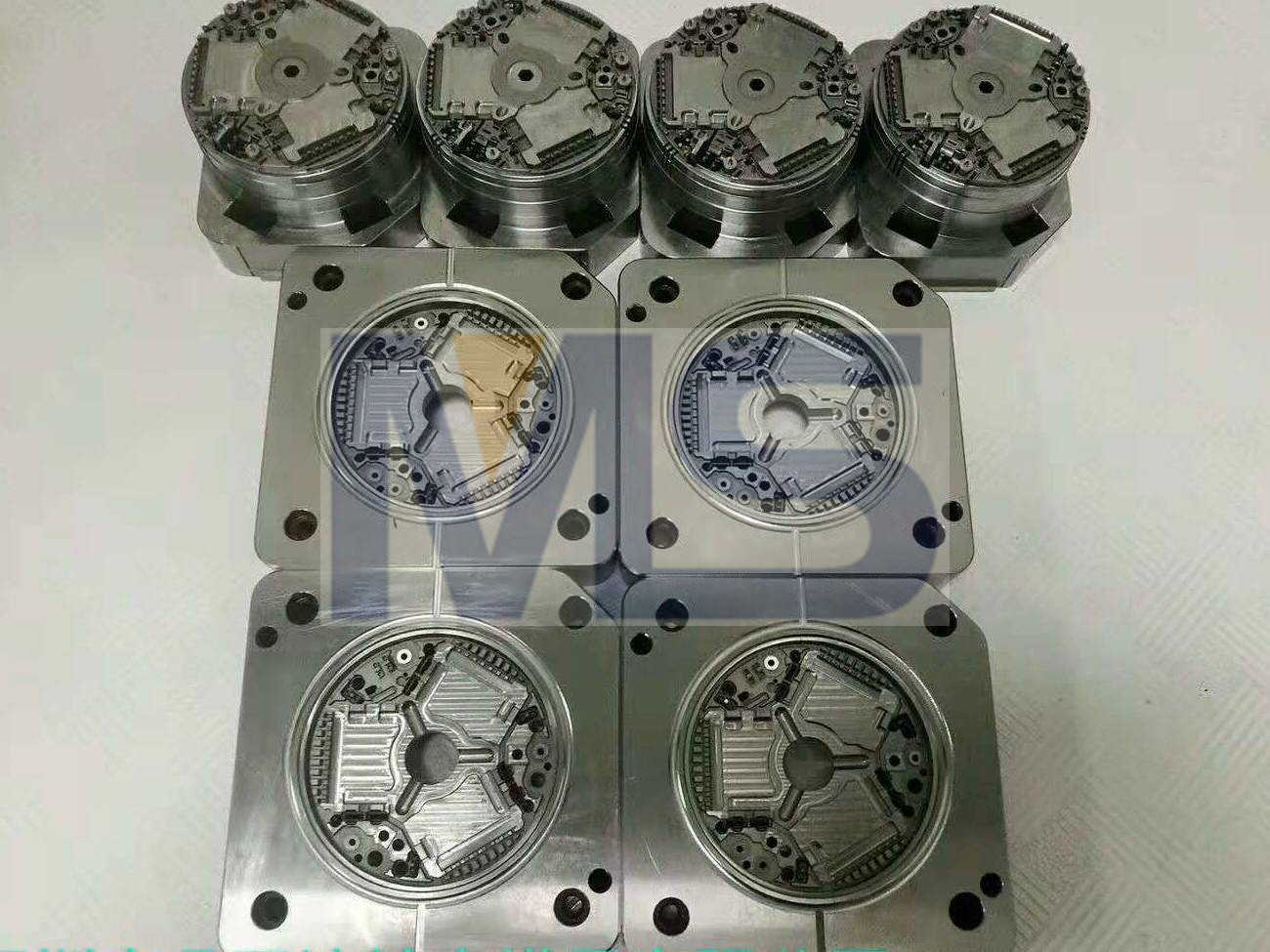 1.2344 Hardened Mould Core Insert Plastic Molded Parts Polish Surface Treatment